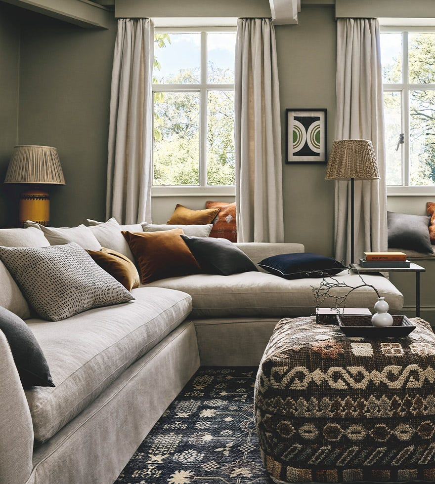 An Interior Designer's guide to dressing your sofa with cushions