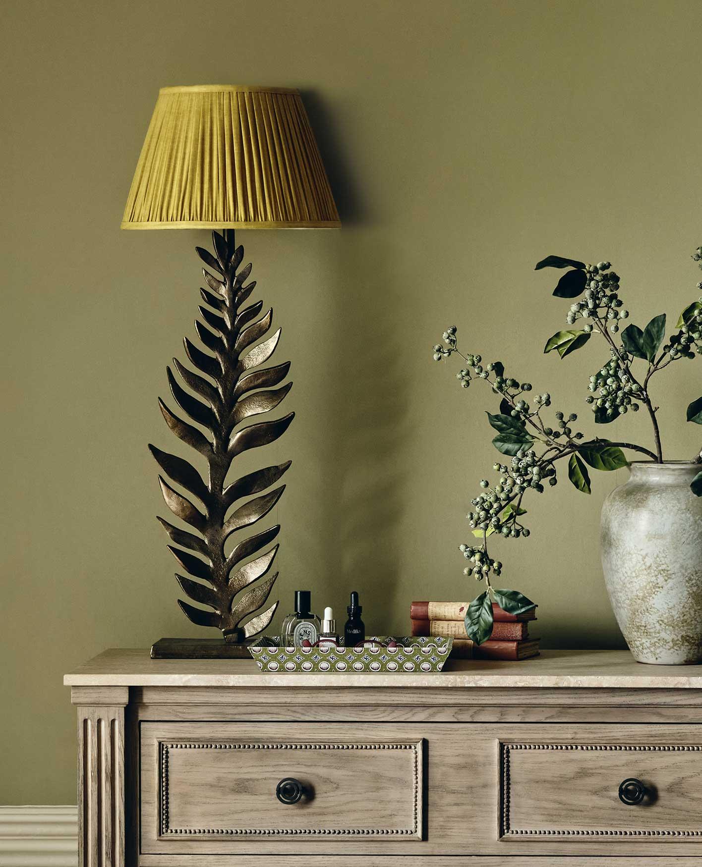 how to choose a lampshade colour