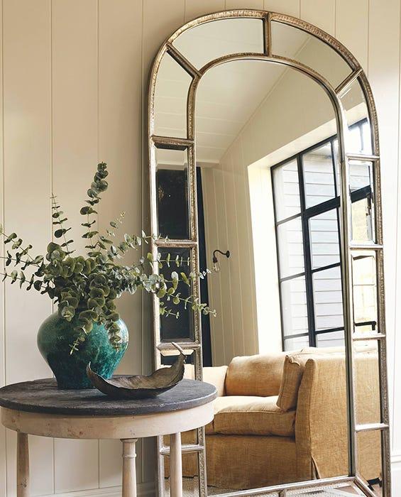 Using Mirrors In Interior Design, Design Mirrors For Living Rooms