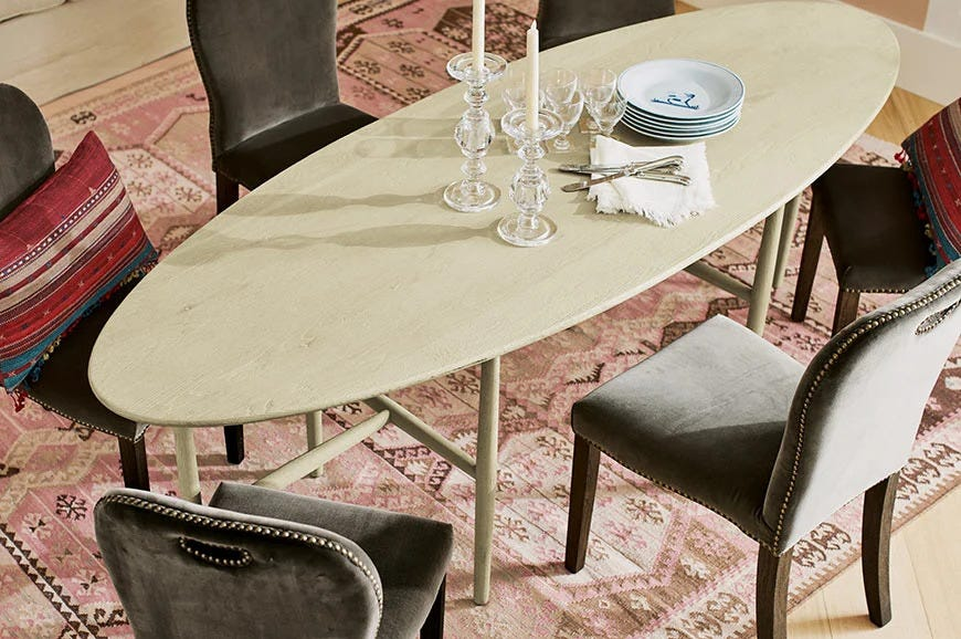 Curved Dining Table / Curved Dining Table